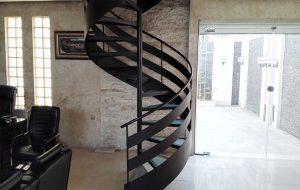 11 4 300x190 ابعاد و انواع پله گرد