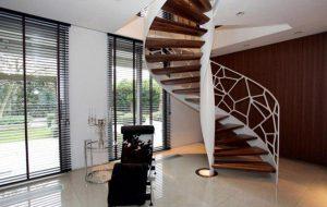 11 5 300x190 ابعاد و انواع پله گرد