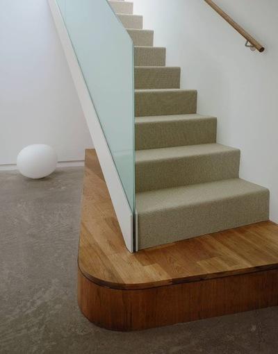 5121f4340ce13ddd_2941-w400-h510-b0-p0--modern-staircase