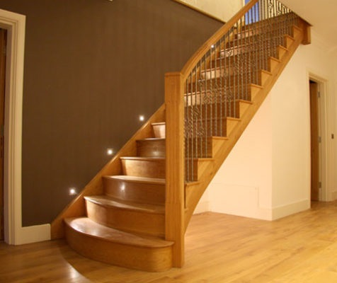پلههای چوبی مستقیم
